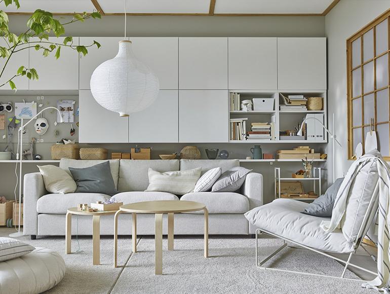 Una sala con almacenaje para cuando la familia crece